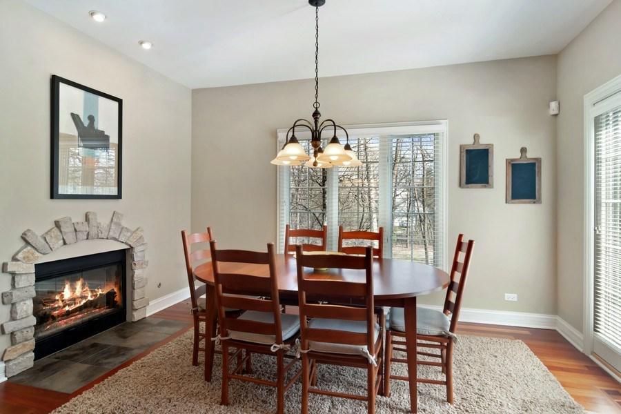 Real Estate Photography - 6 Scarlet Oak, Hawthorn Woods, IL, 60047 - Breakfast Nook