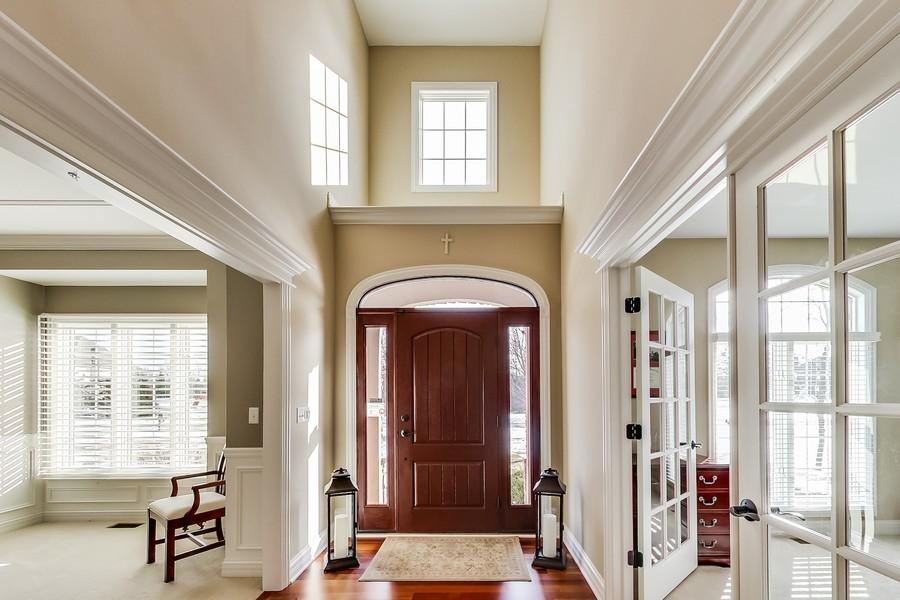 Real Estate Photography - 6 Scarlet Oak, Hawthorn Woods, IL, 60047 - Foyer
