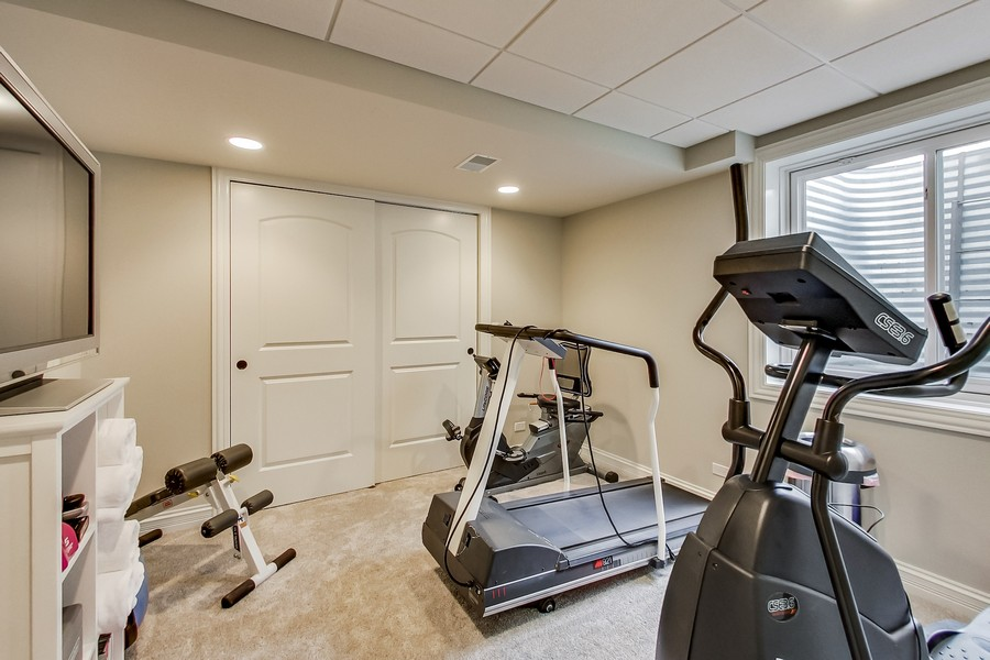 Real Estate Photography - 6 Scarlet Oak, Hawthorn Woods, IL, 60047 - Workout Room
