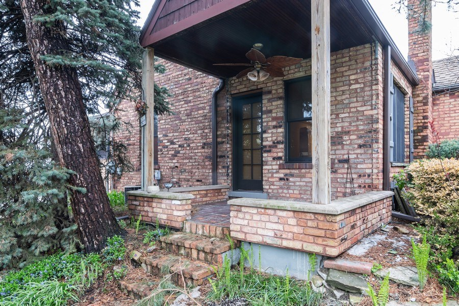 Real Estate Photography - 6348 W. Hyacinth St., Chicago, IL, 60646 - Patio