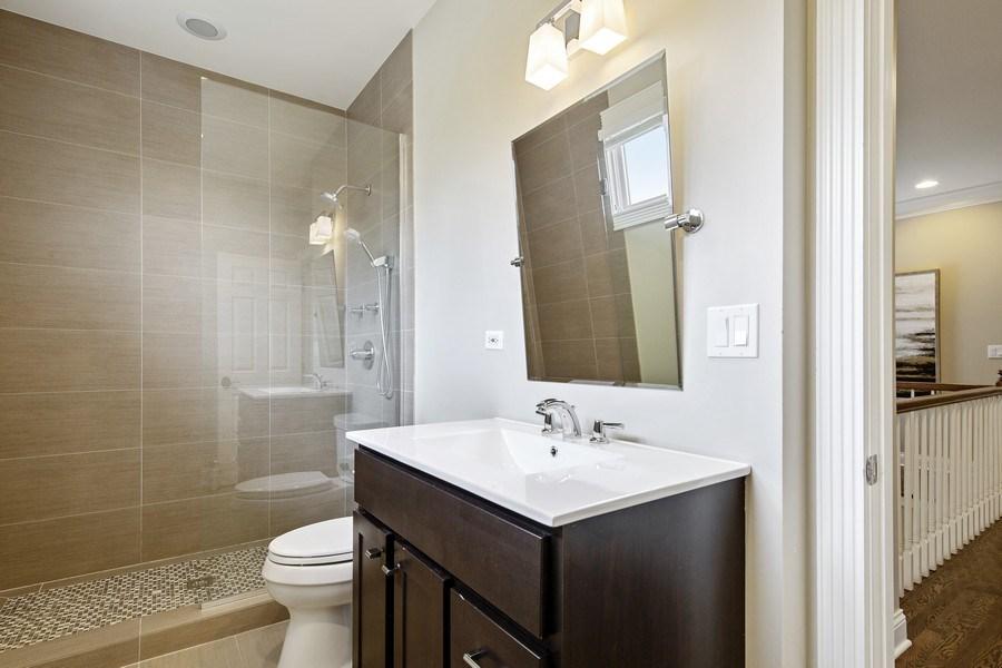 Real Estate Photography - 487 S Arlington, Elmhurst, IL, 60126 - 2nd Bathroom