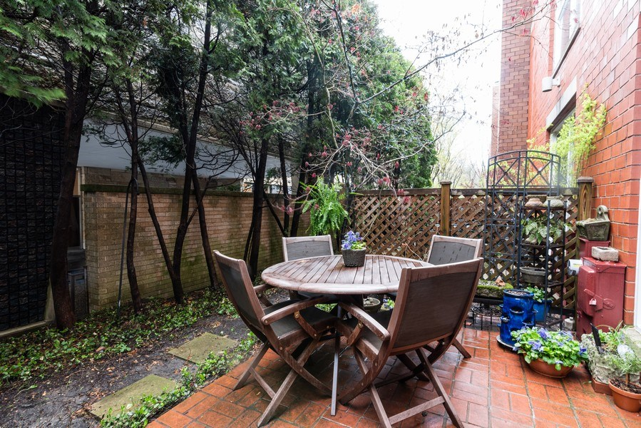 Real Estate Photography - 1215 Central Street #A, Evanston, IL, 60201 - Patio