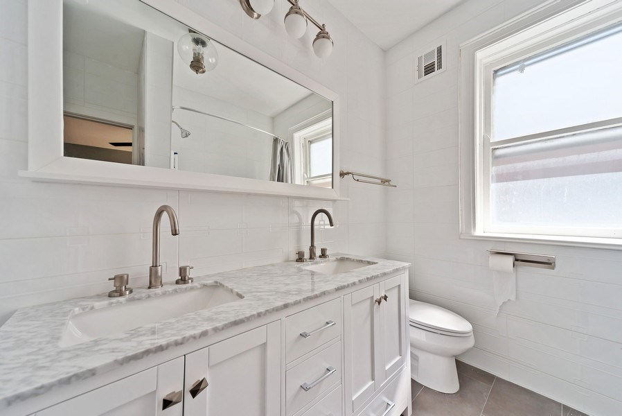 Real Estate Photography - 5901 N. Kenmore Ave. #3, Chicago, IL, 60660 - Master Bathroom