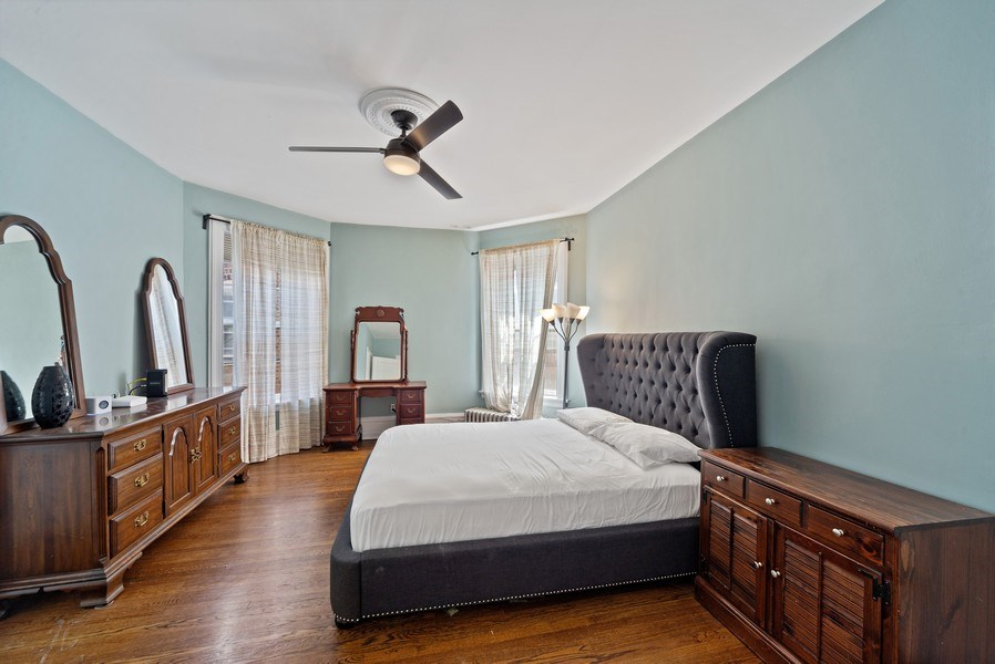 Real Estate Photography - 5901 N. Kenmore Ave. #3, Chicago, IL, 60660 - Master Bedroom