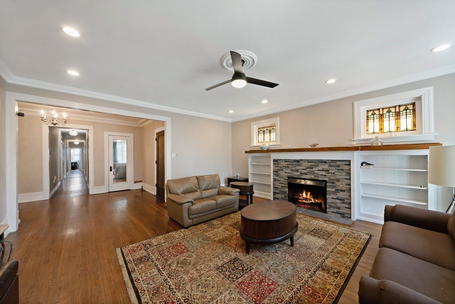 Real Estate Photography - 5901 N. Kenmore Ave. #3, Chicago, IL, 60660 - Living Room