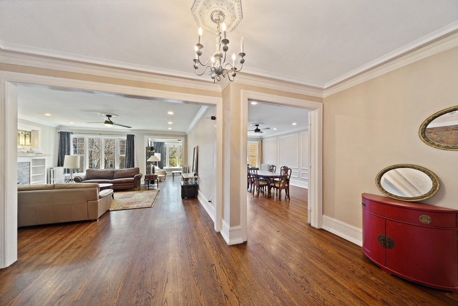 Real Estate Photography - 5901 N. Kenmore Ave. #3, Chicago, IL, 60660 - Foyer