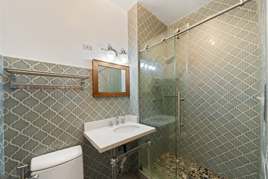 Real Estate Photography - 5901 N. Kenmore Ave. #3, Chicago, IL, 60660 - 2nd Bathroom