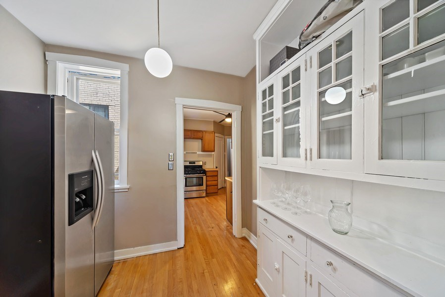 Real Estate Photography - 5901 N. Kenmore Ave. #3, Chicago, IL, 60660 - Pantry