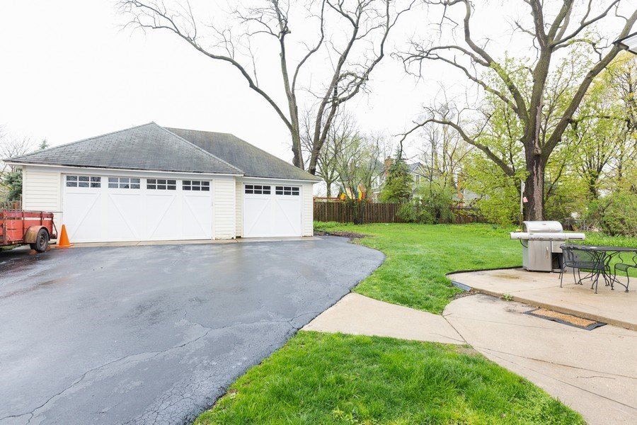 Real Estate Photography - 207 W Station St, Barrington, IL, 60010 - Garage