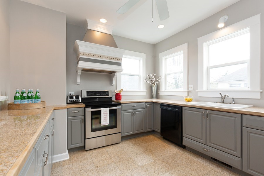 Real Estate Photography - 207 W Station St, Barrington, IL, 60010 - Kitchen