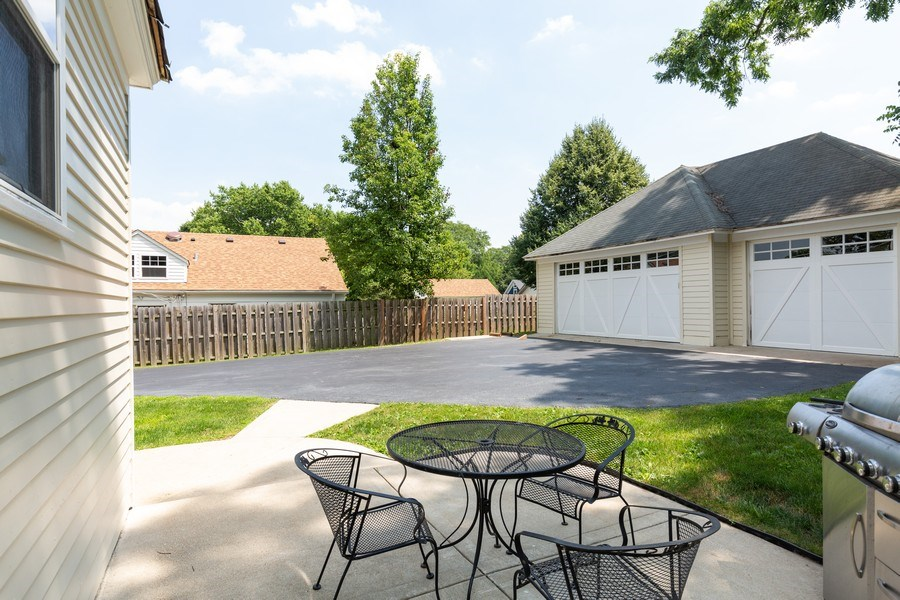 Real Estate Photography - 207 W Station St, Barrington, IL, 60010 - Patio