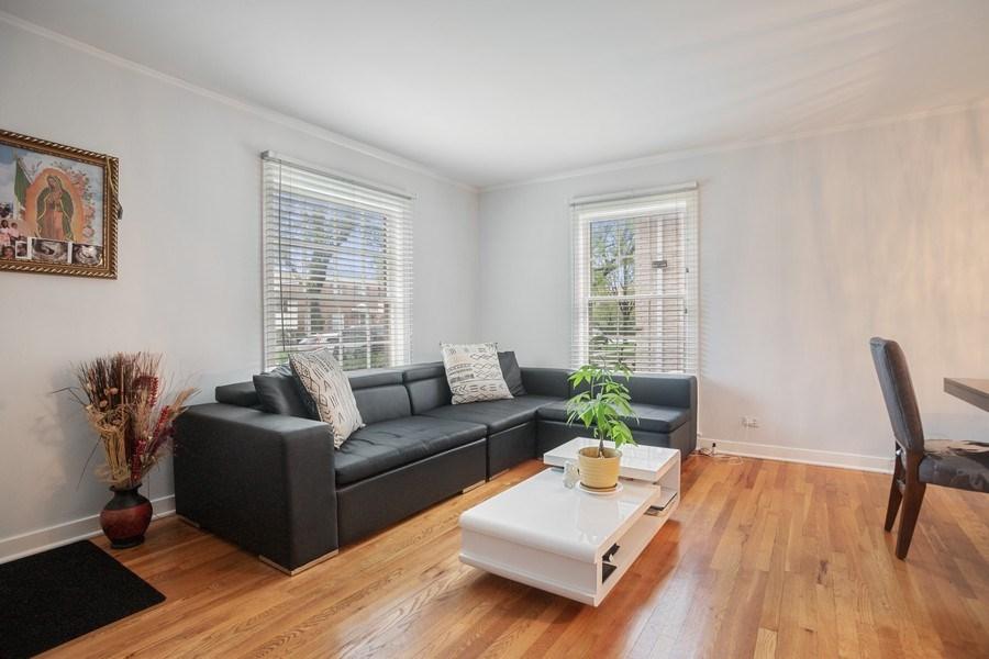Real Estate Photography - 1327 Lundergan, Park Ridge, IL, 60068 - Living Room