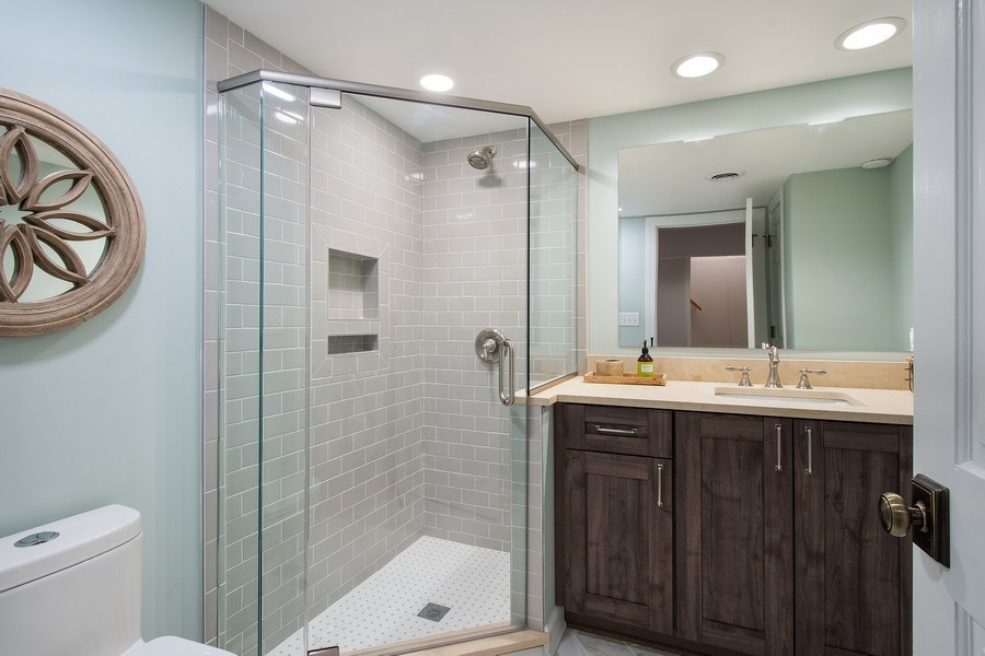 Real Estate Photography - 415 N Valley Rd, Barrington, IL, 60010 - 3rd Bathroom