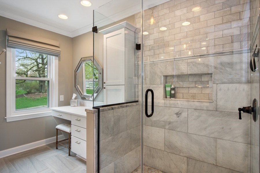Real Estate Photography - 415 N Valley Rd, Barrington, IL, 60010 - Master Bathroom