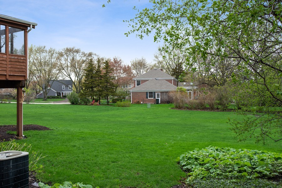Real Estate Photography - 415 N Valley Rd, Barrington, IL, 60010 - Back Yard