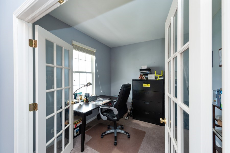 Real Estate Photography - 501 W Cambria Dr, Round Lake, IL, 60073 - Office