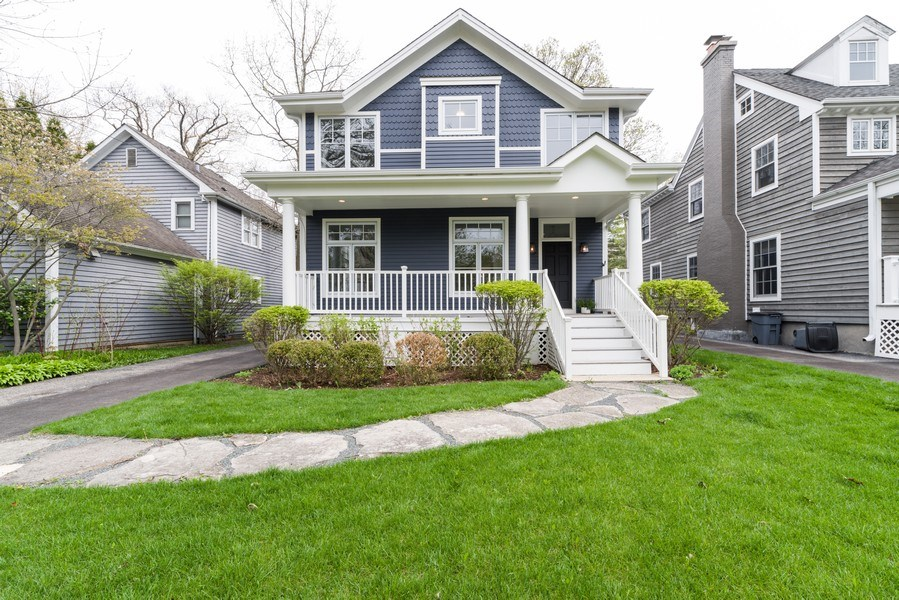 Real Estate Photography - 1437 Asbury Ave, Winnetka, IL, 60093 - Front View