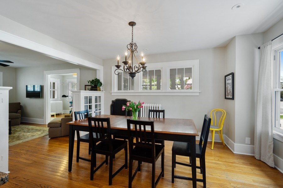 Real Estate Photography - 119 W Russell St, Barrington, IL, 60010 - Dining Room