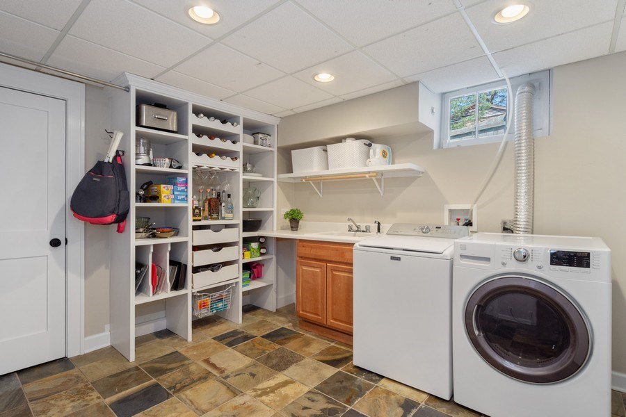 Real Estate Photography - 119 W Russell St, Barrington, IL, 60010 - Laundry Room