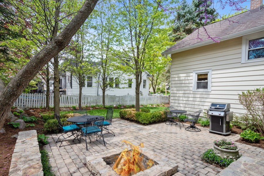 Real Estate Photography - 119 W Russell St, Barrington, IL, 60010 - Patio