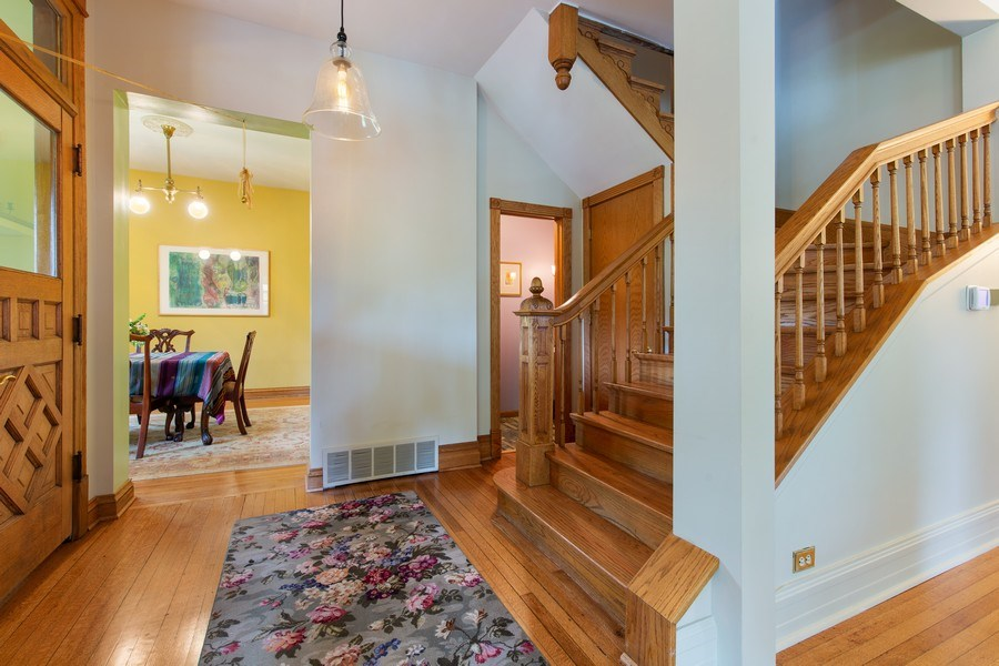 Real Estate Photography - 4101 N Greenview, Chicago, IL, 60613 - Staircase