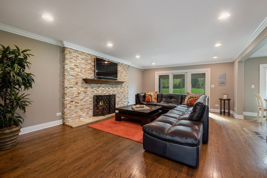 Real Estate Photography - 215 Cold Spring Rd, Barrington, IL, 60010 - Family Room