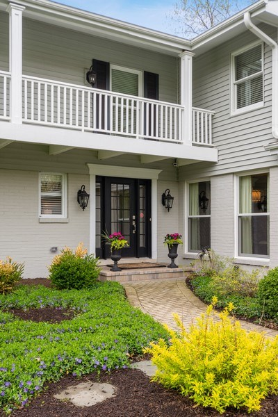 Real Estate Photography - 215 Cold Spring Rd, Barrington, IL, 60010 - Front View