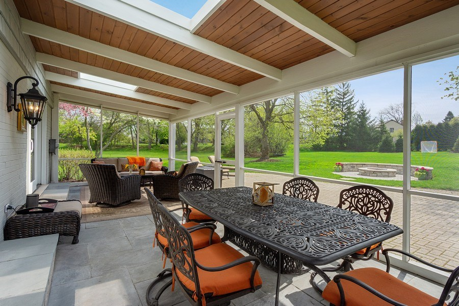 Real Estate Photography - 215 Cold Spring Rd, Barrington, IL, 60010 - Sun Room