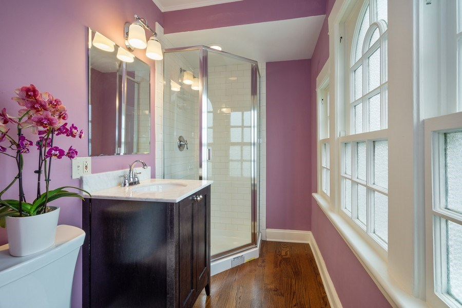 Real Estate Photography - 616 S. Grove Ave, Barrington, IL, 60010 - 2nd Bedroom Ensuite Bathroom