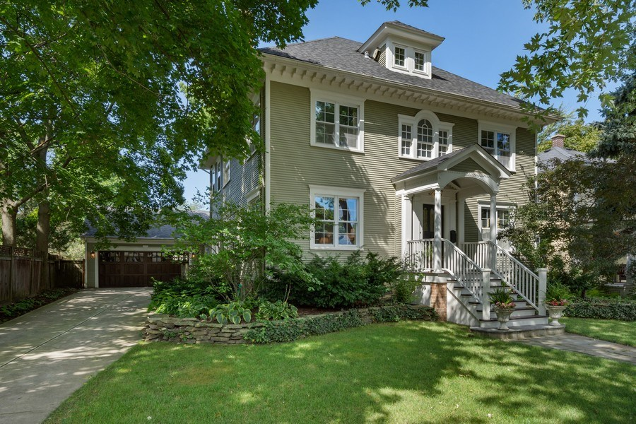 Real Estate Photography - 616 S. Grove Ave, Barrington, IL, 60010 - Side View