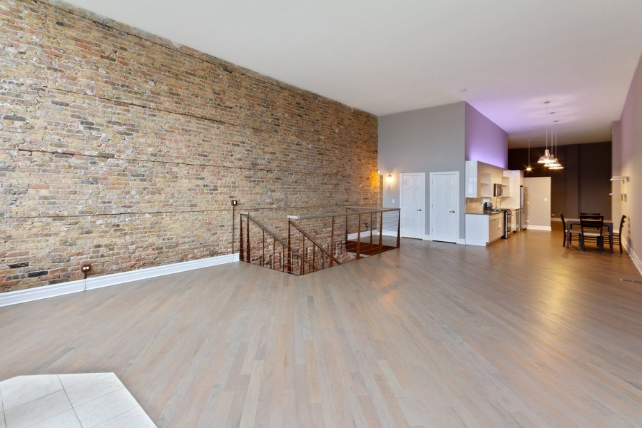 Real Estate Photography - 850 N Milwaukee Ave, Chicago, IL, 60642 - Living Room