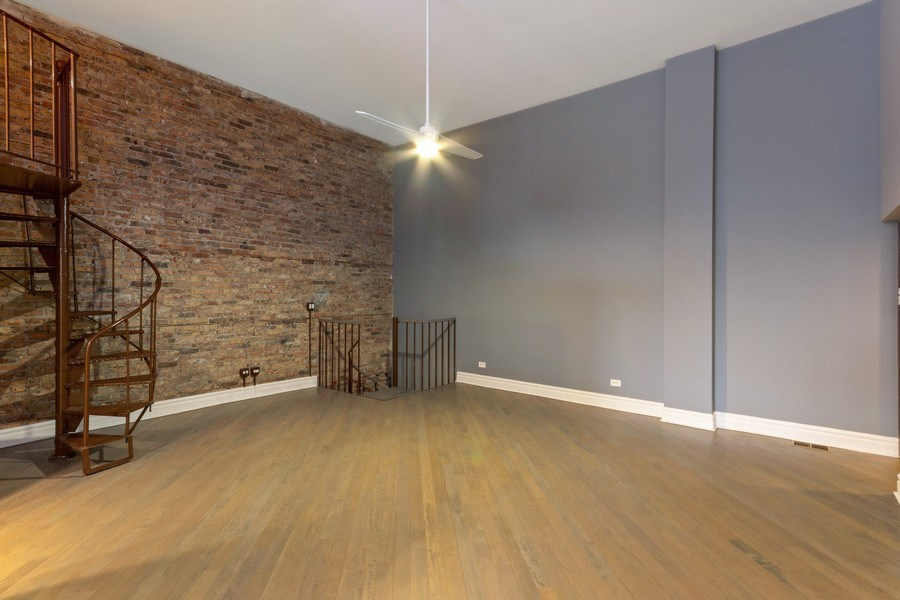 Real Estate Photography - 850 N Milwaukee Ave, Chicago, IL, 60642 - Family Room
