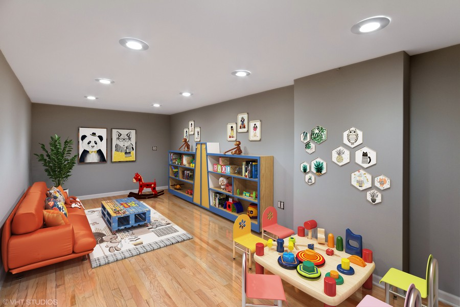 Real Estate Photography - 850 N Milwaukee Ave, Chicago, IL, 60642 -