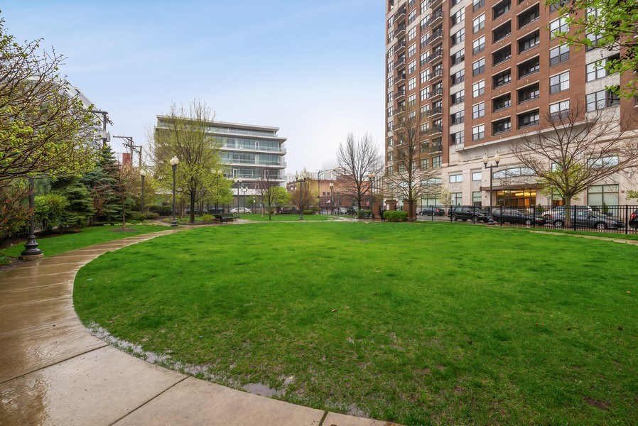 Real Estate Photography - 849 N Franklin St, unit 1412, Chicago, IL, 60610 - Location 1