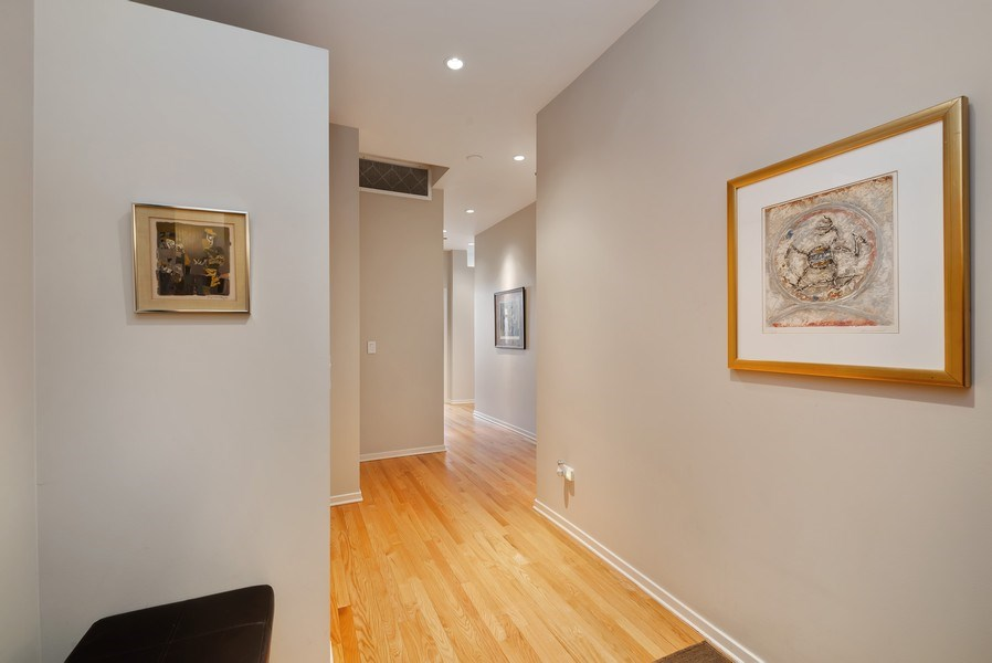 Real Estate Photography - 849 N Franklin St, unit 1412, Chicago, IL, 60610 - Foyer