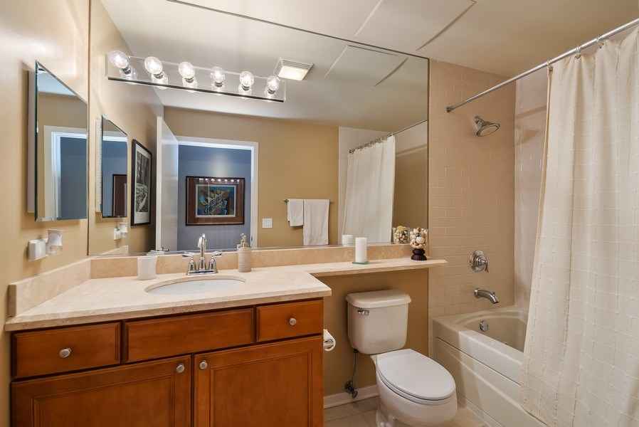 Real Estate Photography - 849 N Franklin St, unit 1412, Chicago, IL, 60610 - 2nd Bathroom