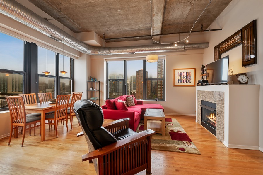 Real Estate Photography - 849 N Franklin St, unit 1412, Chicago, IL, 60610 - Living Room/Dining Room