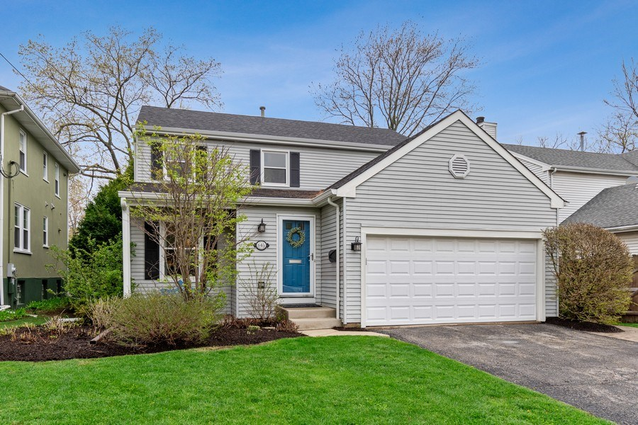Real Estate Photography - 645 Lincoln Avenue West Ave, Highland Park, IL, 60035 - Front View