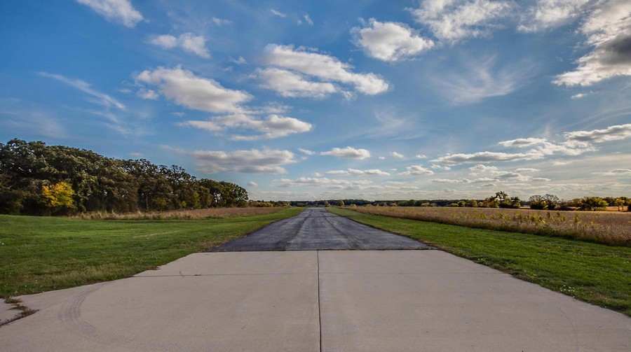 Real Estate Photography - 27735 41st St, Salem, WI, 53168 - 1500' Runway