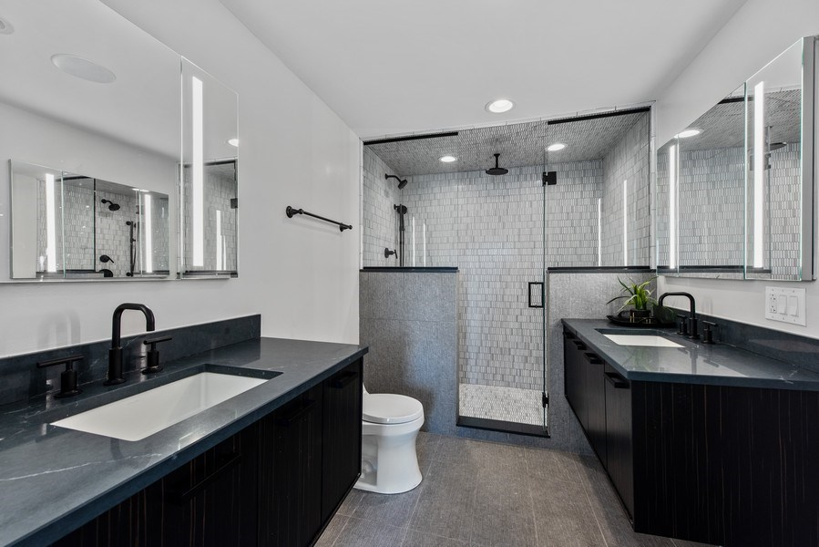 Real Estate Photography - 885 W. Lill Ave., #6, Chicago, IL, 60614 - Master Bathroom