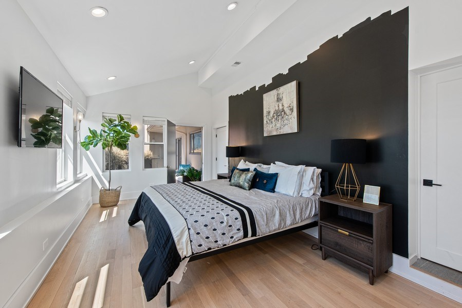 Real Estate Photography - 885 W. Lill Ave., #6, Chicago, IL, 60614 - Master Bedroom