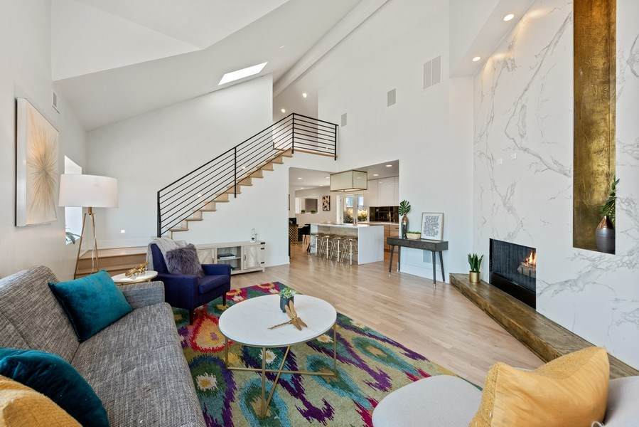 Real Estate Photography - 885 W. Lill Ave., #6, Chicago, IL, 60614 - Living Room