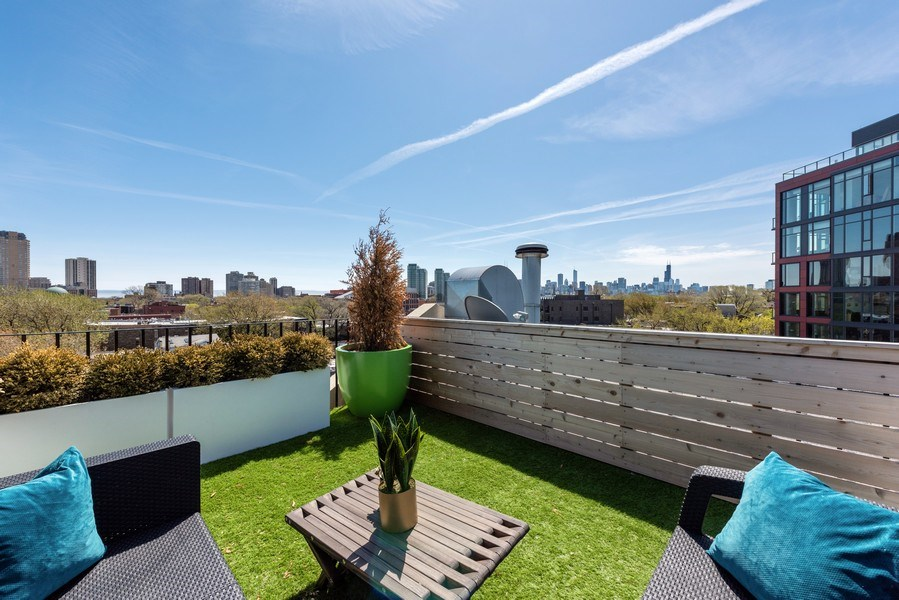 Real Estate Photography - 885 W. Lill Ave., #6, Chicago, IL, 60614 -