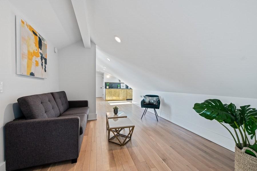 Real Estate Photography - 885 W. Lill Ave., #6, Chicago, IL, 60614 - Loft
