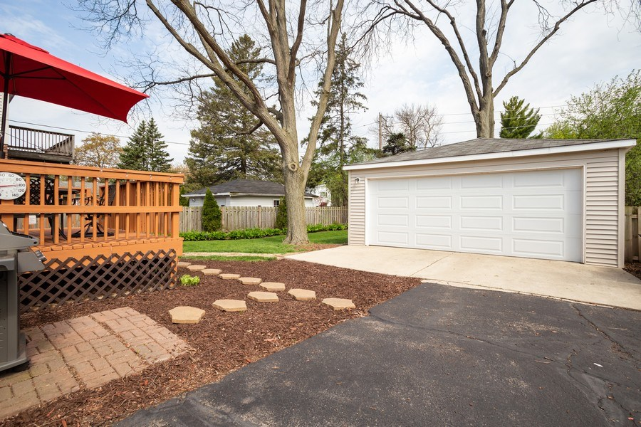 Real Estate Photography - 718 E Euclid Ave, Arlington Heights, IL, 60004 - Back Yard