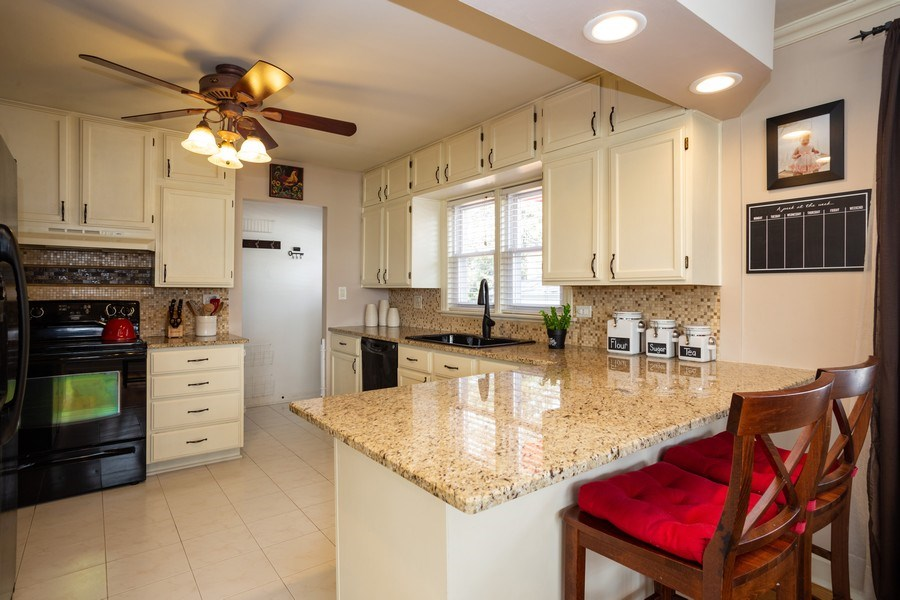 Real Estate Photography - 718 E Euclid Ave, Arlington Heights, IL, 60004 - Kitchen
