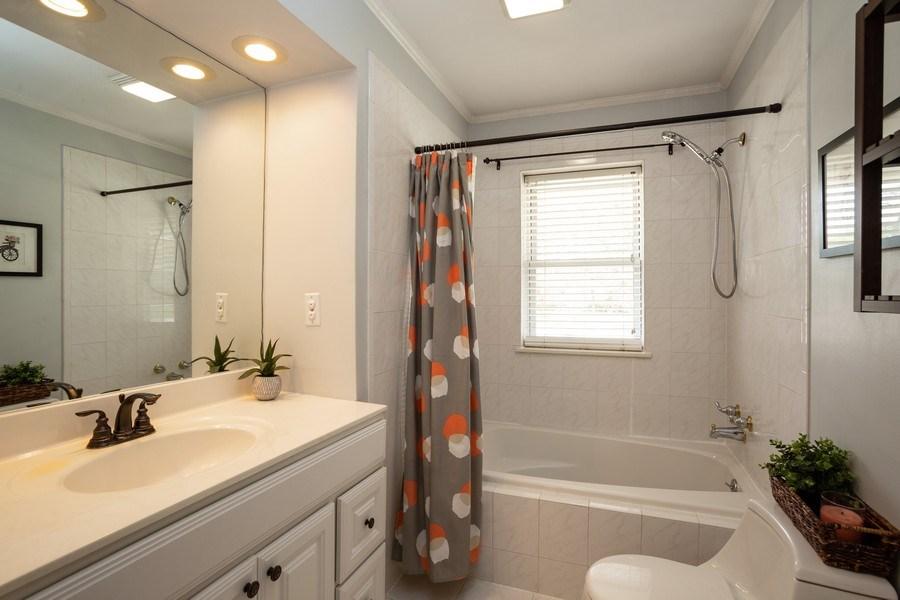 Real Estate Photography - 718 E Euclid Ave, Arlington Heights, IL, 60004 - Bathroom