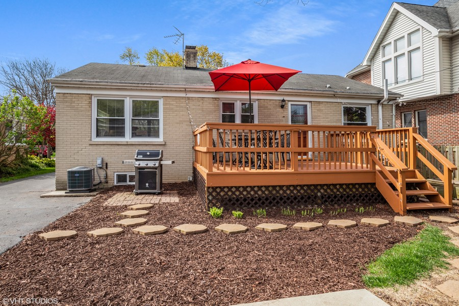 Real Estate Photography - 718 E Euclid Ave, Arlington Heights, IL, 60004 - Rear View