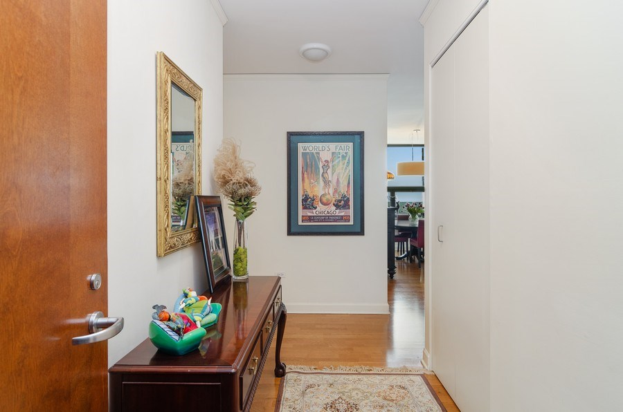 Real Estate Photography - 201 N Westshore Dr, Unit 1102, Chicago, IL, 60601 - Foyer