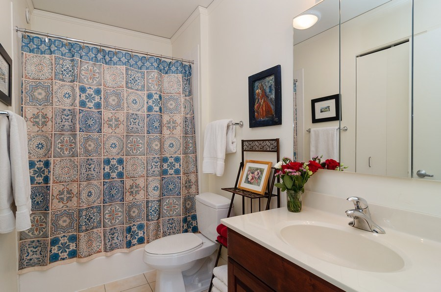 Real Estate Photography - 201 N Westshore Dr, Unit 1102, Chicago, IL, 60601 - Bathroom